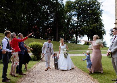 Coombe Lodge wedding, confetti