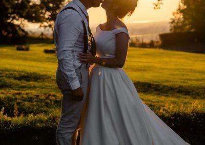 Coombe Lodge wedding, sunset snog